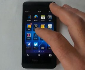 20130117115850_blackberryz10